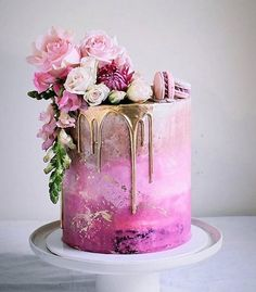 20 besten Hochzeitstorte Ideen 2019 – Hochzeit – Cake … … – Wedding Cakes With Cupcakes Beautiful Birthday Cakes, Beautiful Cakes, Amazing Cakes, Elegant Birthday Cakes, Elegant Cakes, Pink Ombre Cake, Pink Gold Cake, Purple Ombre, Cool Wedding Cakes