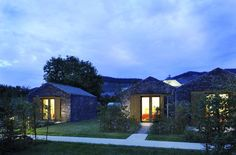 STAY IN A SMALL WINERY LODGE AND BE A GUEST IN AN ORCHARD – AN IDYLL AT RIVER MOSELLE  In harmony with nature, the family Longen cultivates the slopes of a M...