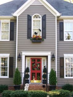 trendy ideas for house exterior colors white trim black shutters Best Exterior Paint, Exterior Paint Colors For House, Exterior Siding, Paint Colors For Home, Exterior Design, Paint Colours, Diy Exterior, House Shutter Colors, Grey Homes Exterior