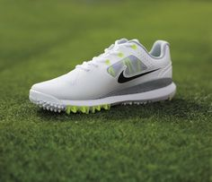 Nike TW '14 Mesh — Tiger Woods' New Breathable Golf Shoe