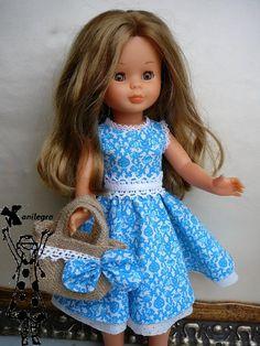 ANILEGRA COSE PARA NANCY: Vestido años 50 , telas nuevas para el modelo Miren Ropa American Girl, American Girl Crafts, American Girl Clothes, Sewing Doll Clothes, Baby Doll Clothes, Sewing Dolls, Girl Dolls, Baby Dolls, Vestidos Nancy
