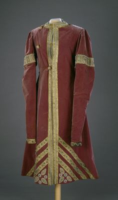Fancy Dress of Prince F.F.Yusupov (Russian Model of 17th century): caftan Complex: Fancy Dresses for the Ball in 1903 celebrating the Romanov's Dynasty Anniversary Place of creation: Russia Date: 1903 School: St Petersburg Material: velvet, taffeta, brocade, imitation pearls, glass and copper Technique: sewing, embroidery