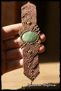 bracelet macramé vésuvianite par IgwanaBijoux sur Etsy, €33.00