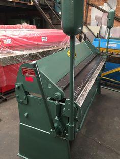 National Straight Folding Machine Sheet Metal Brake, Sheet Metal Tools, Sheet Metal Work, Folding Machine, Press Brake, Machine Service, Homemade Tools, Metal Fabrication, Blacksmithing