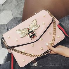 Small honeybee pearl chain small square bag with simple shoulder bag Pink from RICHHARLOTS. Cute Purses, Purses And Bags, Most Expensive Handbags, Luxury Handbag Brands, Classic Handbags, Pearl Chain, How To Make Handbags, Chain Shoulder Bag, Shoulder Bags
