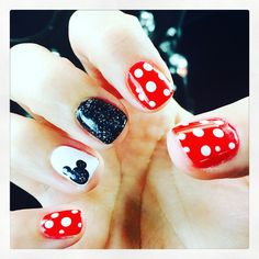 Disney nails. #mickeymouse #disneynails #minniemouse #mickeymouse