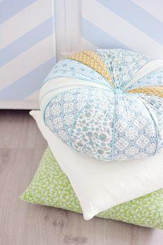 SignePling: cushions / <3 the colours Choosing the perfect cushion - http://www.kangabulletin.com/online-shopping-in-australia/cushion-id-australia-choosing-the-perfect-cushion-has-never-been-easier/ #cushionid #australia #sale bench seat cushions, zebra cushions or target cushion