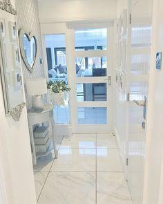 Decor Home Living Room, Home And Living, Bedroom Decor, Hallway Inspiration, Home Decor Inspiration, Diy Interior, Interior Design, Property Design, Old Farm Houses