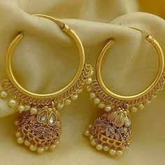 Types of Indian Jewelry Designs – Fashion Asia Gold Jhumka Earrings, Indian Jewelry Earrings, Fancy Jewellery, Jewelry Design Earrings, Gold Earrings Designs, Gold Jewellery Design, Bridal Earrings, Designer Earrings, Golden Earrings