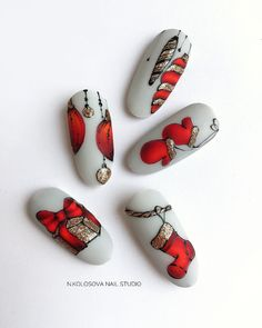 Nail art Christmas - the festive spirit on the nails. Over 70 creative ideas and tutorials - My Nails Christmas Manicure, Xmas Nails, New Year's Nails, Christmas Nail Art Designs, Holiday Nail Art, Trendy Nails, Cute Nails, Nail Art Noel, Manicure E Pedicure