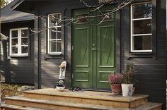 Dark House, Winter Cabin, Exterior Paint, Villa, Castle, Florida, Architecture, Outdoor, Inspiration