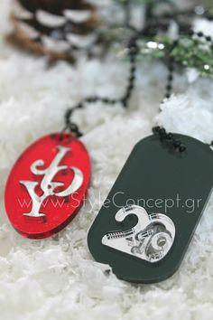 """#2019 #charms #plexiglass #key #gift #merrychristmas #xmas #giftset #joyΚολιέ με μαύρη αλυσίδα μπίλια μήκους 80 cm και οβάλ διακοσμητικό στοιχείο σε plexiglass καθρέφτη- κόκκινη βάση και η λέξη """"Joy"""" σε ασημί"""". Μπρελόκ ταυτότητα με μαύρη αλυσίδα μπίλια μήκους 10 cm σε μαύρο plexiglass και τη νέα χρονιά 2019 με ασημί καθρέφτη. Dog Tags, Dog Tag Necklace, Jewelry, Jewlery, Jewerly, Schmuck, Jewels, Jewelery, Fine Jewelry"""