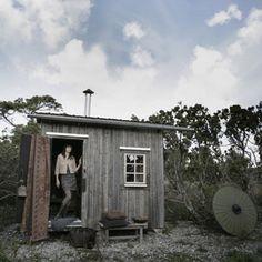 Zweden - Even helemaal niks, dat is precies wat de 'Hermit Cabin' (Hermit = kluizenaar) biedt. De Zweedse ontwerper Mats Theselius heeft in samenwerking met Arvesund dit grappige 'hutj...
