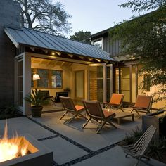 Great outdoor space for entertaining!