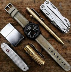 mens accessories – High Fashion For Men Edc Gadgets, Survival Gadgets, Survival Kit, Edc Wallet, The Things They Carried, Everyday Carry Gear, Edc Tools, Cool Gear, Edc Gear