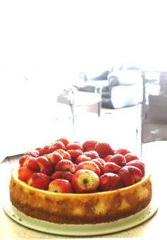 #Dessert / Macerated Strawberries Cheesecake