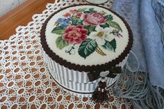 """Lovely things: """"Round boxes with embroidery"""""""