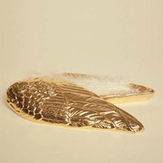 Gold angel wing box $58  yo quiero!!!!!!!!! yo quiero!!!!!!!!!1 yo la kieeeeeeeroooooooooo!!!!!!!!!!!