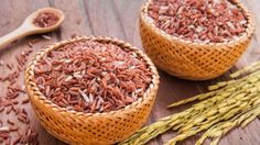 Ayo simak tips memasak beras merah agar pulen hanya di sini. What Causes High Cholesterol, Lower Cholesterol Diet, Cholesterol Levels, Red Rice Benefits, Healthy Rice, Healthy Recipes, Superfoods, Rice Nutrition, Diet