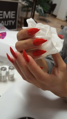 Divine Nails & Beauty, Lenzburg – 076 249 19 48 – www.divnie-nb.ch #nails #nagelstudio #gelnails #acrylnails #maniküre #pediküre #beauty #kosmetik #lashes #wimpern #makeup #volumenwimpern #permanentmakeup #microblading #abendmakeup #augenbrauen #lenzburg #aargau #shellack #hyaluron #tagesmakeup #kinnkorrektur #nasenkorrektur #falten #lippenkorrektur #lippenvergrössern #lippenaufschpritzen #love Acryl Nails, Icing, Beauty, Desserts, Makeup, Food, Design, Lashes, Eyebrows