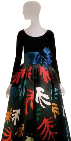 Matisse's Cut-Outs: Yves Saint Laurent, Long evening dress, inspired by Henri Matisse, haute couture collection, Fall–Winter 1980 Vestidos Vintage, Vintage Dresses, Vintage Outfits, Vintage Fashion, Yves Saint Laurent, Fashion History, Fashion Art, Fashion Design, Lanvin