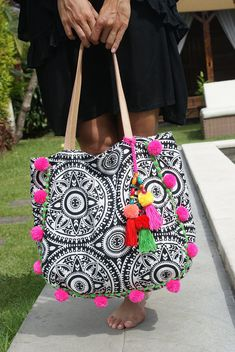Pompom beach bag/Trendy pompom bag/Yoga bag/Gym bag/Diapers