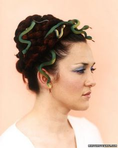 Medusa snakes in the head!