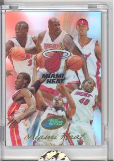 2004 ETOPPS IN HAND DWYANE WADE SHAQUILLE O'NEAL MIAMI HEAT TEAM NBA CHAMPION
