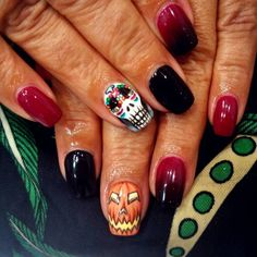 72 distinctive halloween inspired nail art ideas to complement easy halloween nails halloween fake nails halloween inspired nail art ideas halloween solutioingenieria Image collections