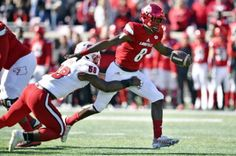 Lamar Jackson threw three touchdowns and ran for another. (Reuters)