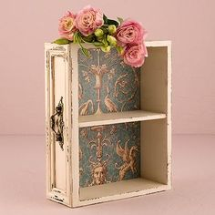 A versatile decor piece complete with a vintage inspired paper liner. Feature this Drawer Display Shelf on your welcome table, escort table or anywhere else thr