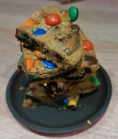M&M og oreo barer Oreo, Cake, Desserts, Food, Tailgate Desserts, Deserts, Kuchen, Essen, Postres