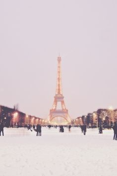 Paris first snow