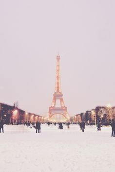 Snowy, beautiful Paris