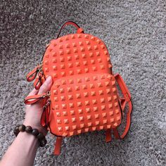 Valentino Mini Rockstud Leather Backpack 17cmComing Email:bagsagents@gmail.com Instagram:bagsagents