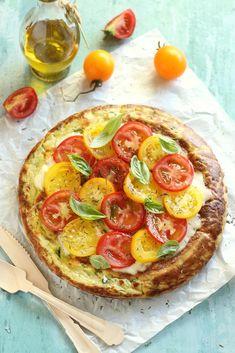 Juditka konyhája: ~ SERPENYŐS CUKKINIS LEPÉNY ~ Gouda, Mozzarella, Vegetable Pizza, Bacon, Vegetables, Tarts, Tomatoes, Recipes, Mince Pies