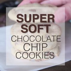 super soft chocolate chip cookies are like the most perfect little chocolate chip cookie on the planet. If you like 'em soft and fluffy, that is. Köstliche Desserts, Delicious Desserts, Dessert Recipes, Yummy Food, Dinner Recipes, Tasty, Chocolate Chip Cookies Rezept, Best Chocolate Chip Cookie, Chocolate Chocolate