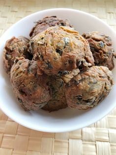 Greek traditional Fish Roe balls (Taramokeftedes) recipe: Delicious, spicy balls perfect appetizer for your wine, beer or ouzo! Spicy, Pork, Greek, Turkey, Appetizers, Fish, Traditional, Meat, Breakfast