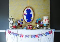 FAIRY TALE Birthday Party Fairy Tale Classics par andersruff un anniversaire blanche-neige Adult Birthday Party, Disney Birthday, Birthday Ideas, Happy Birthday, Birthday Table, Birthday Decorations, Fairytale Party, Snow White Birthday, Disney Princess Party