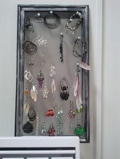 Astuce rangement : boucles d'oreilles, bracelets...