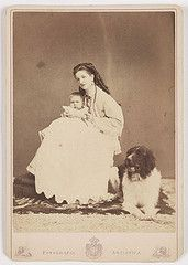 Princess of Piedmont, with her Baby and Dog (National Media Museum) Tags: portrait dog baby newfoundland necklace child princess photograph motherandchild landseer canis fotografiaartistica canidae nationalmediamuseum victoremmanueliii margheritaofsavoy