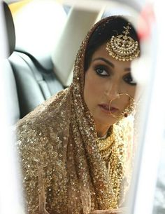 Polki Gold Maang Tikka | WedMeGood All Brides Must Have! Find Many More at wedmegood.com  #wedmegood #maangtikka