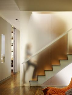translucent wall design pictures remodel decor and - Office Interior Design, Interior Walls, Bathroom Interior Design, Office Interiors, Interior Decorating, Modern Staircase, Staircase Glass, Translucent Glass, Wall Design