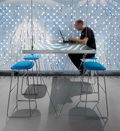 IMC | Jaar: 2013 / 2012 | Locatie: WTC Amsterdam | Inrichting: Kantoor-, ICT-, Ontvangst- en Management meubelen | Ontwerp: C4ID Interieurarchitecten |  Omschrijving: Optimalisatie van interieur, faciliteiten en installaties, waardoor een hedendaagse werkomgeving is gerealiseerd voor deze wereldwijd opererende organisatie op het gebied van Financial markets & Asset management.