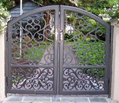 Wrought Iron Gate Find Details about wrought iron gate, wrought iron fence from Wrought Iron Gate - Wuxi Lijing Wrought Iron Co. Iron Gate Design, Fence Design, Rod Iron Fences, Wrought Iron Garden Gates, Tor Design, Steel Gate, Iron Doors, Gate Locks, Google Search
