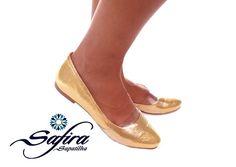 "Safira* Courino dourado brilhante com tira de silicone ""Bico fino"""
