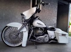 """1,162 Likes, 15 Comments - HD Tourers & Baggers (@hd.tourers.and.baggers) on Instagram: """"Follow & Tag """"HD Tourers and Baggers"""" on Instagram, Facebook, Twitter & across the Web.…"""" #harleydavidsonroadking"""