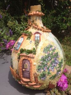 The other side of the Wine bottle Mais Diy Crafts Slime, Slime Craft, Vase Crafts, Fairy House Crafts, Fairy Garden Houses, Garden Crafts, Wine Bottle Art, Diy Bottle, Wine Bottle Crafts