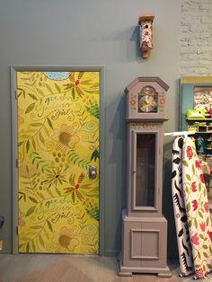 Digital printed door at Gudrun's SoHo store Gudrun, Accent Colors, Home Collections, House Colors, Digital Prints, Bright, Doors, Wallpaper, Drawings
