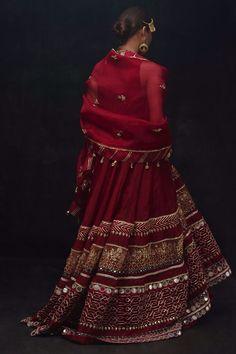 Pakistani Wedding Outfits, Indian Bridal Outfits, Pakistani Dresses, Indian Dresses, Indian Bridal Lehenga, Bridal Dupatta, Bridal Lehenga Collection, Lehnga Dress, Lehenga Designs
